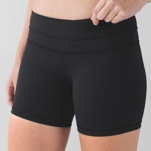 Lululemon black groove athletic yoga shorts